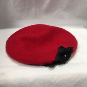 August Hats Wool Floral-Applique Red Beret